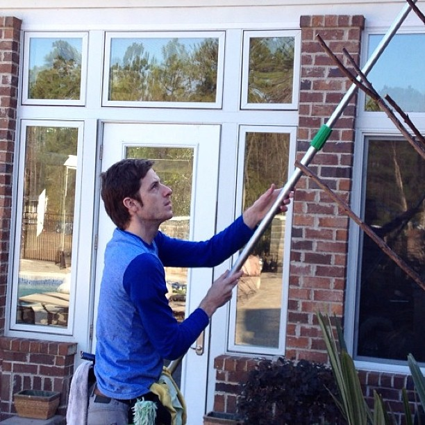 How To Clean Outside Windows | Zigmarks.Com