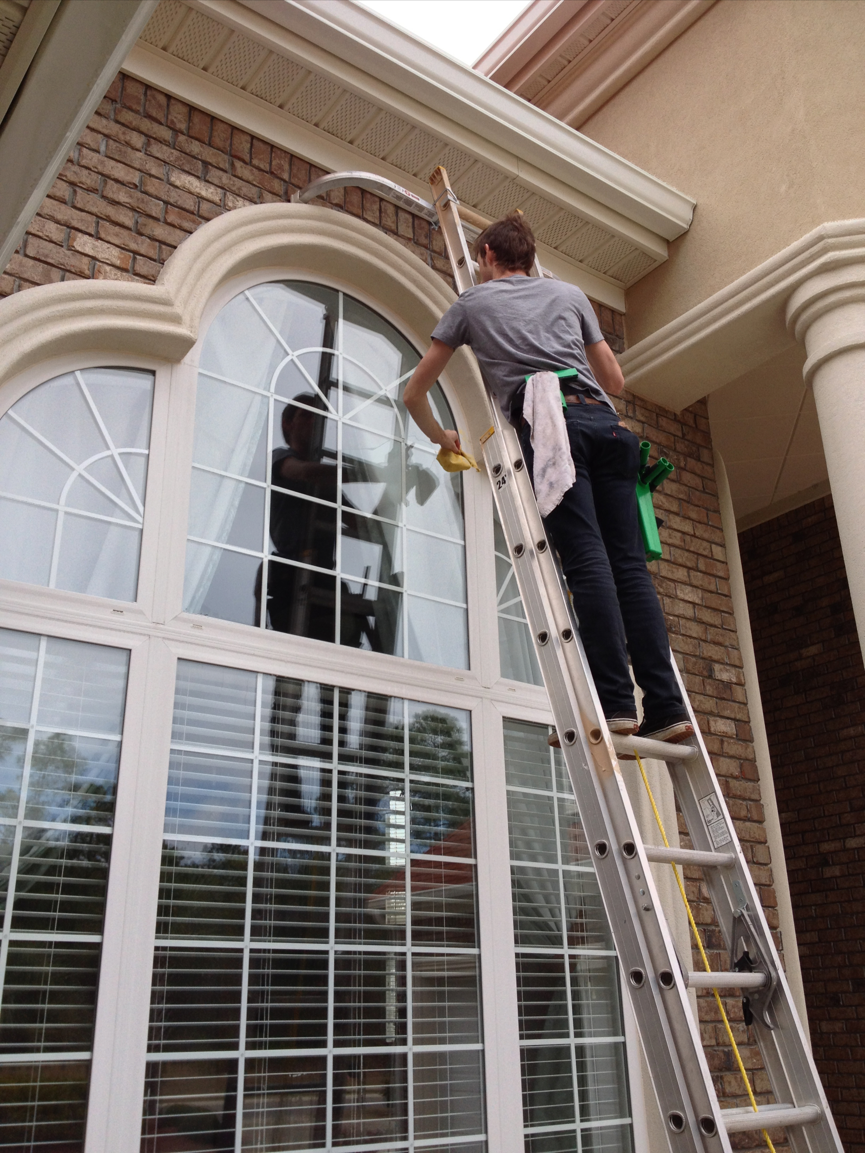 Exterior residential windows - Best Local Window Cleaning Nyc
